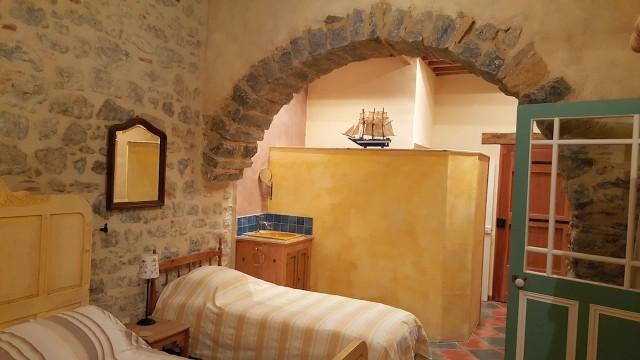 Bedroom 2 stone arch.