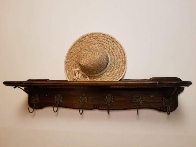 Coat and hat rack.