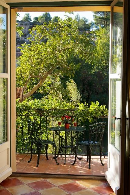 Gite balcony.