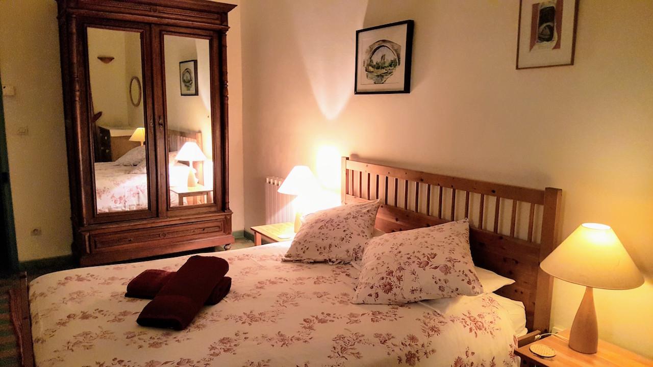 Bedroom 1 bed.